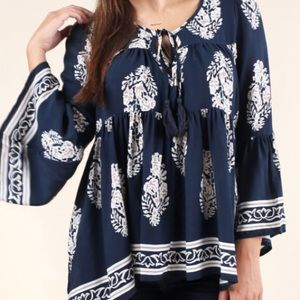 New Altar'd State change of heart tunic top Large